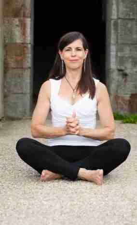 Linga Mudra: Immunity Catherine Carrigan